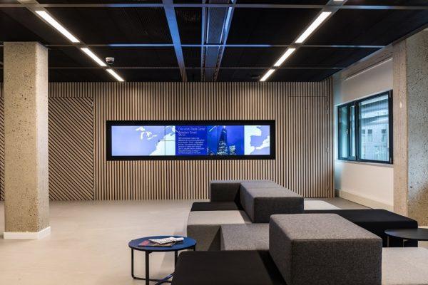 audiovisuele inrichting voor een wachtruimte